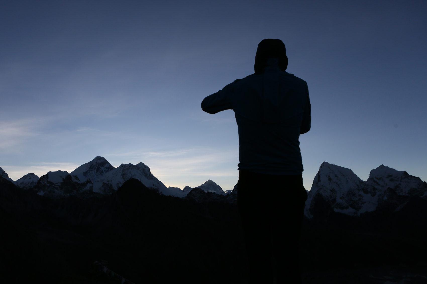 A gauche, l'Everest, puis le Lhotse et juste à ma gauche plus bas, le sommet du Makalu