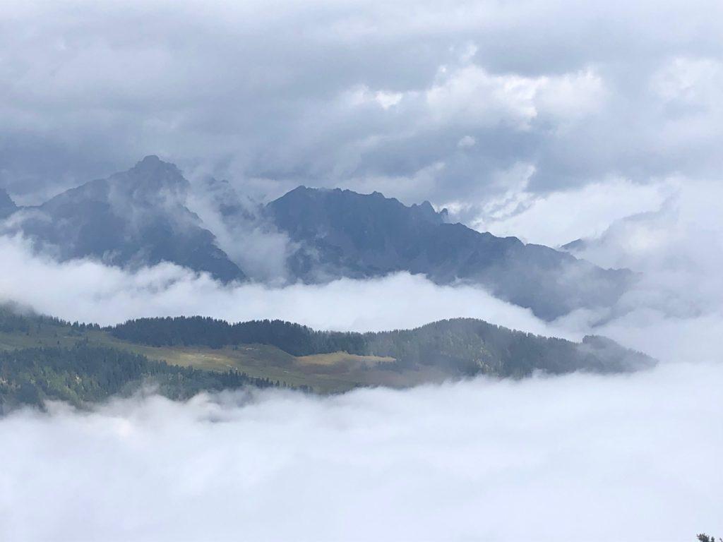 Ciel encombré lors de la montée vers Bovine